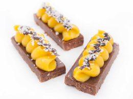 Le Maracuja: Chocolat croustillant, mousse de Maracuja